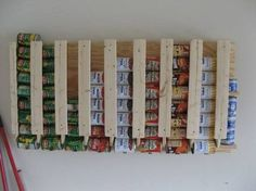 Eine tolle Idee wie man Dosen/Konserven Vorräte praktisch aufbewahren kann!