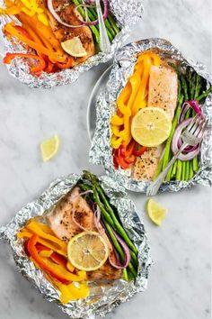 50+ best foil packet dinner recipe ideas Foil Packet Dinners, Foil Pack Meals, Foil Dinners, Oven Baked Salmon, Baked Salmon Recipes, Grilling Recipes, Cooking Recipes, Healthy Recipes, Quick Recipes