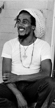 bob marley -> i don't even know what my name is yet. thirst for life. Image Bob Marley, Bob Marley Art, Reggae Bob Marley, Bob Marley Quotes, Reggae Style, Reggae Music, Marley Family, Rasta Man, Jah Rastafari