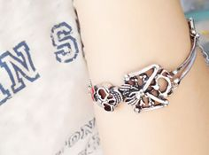 Cute Vintage Bowknot Skull Bracelet,looback ,looback.com, jewelry ,fashion jewelry ,accessories ,free shipping ,