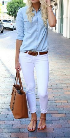 Outfit Idea: White Jeans - chambray shirt tucked into .belted low-rise white jeans, worn with brown sandals. Love this look! Work Casual, Casual Chic, Casual Dressy, Simple Work Outfits, Sporty Chic, Dress Casual, Smart Casual, Mode Outfits, Latest Outfits