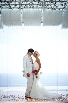 Newlywed on the altar by Tirtha Bridal Uluwatu Bali