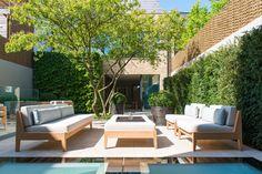 Back garden at Bedford Gardens House. : Jardins modernos por Nash Baker Architects Ltd Bedford Gardens, Privacy Fence Designs, Small Backyard, Fence Design, Modern Patio, Back Gardens, Modern Garden Design