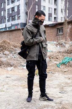 Urban Fashion, Mens Fashion, Steampunk Fashion, Gothic Fashion, Urban Trends, Cyberpunk Fashion, Cyberpunk Clothes, Film Inspiration, Monochrome Fashion