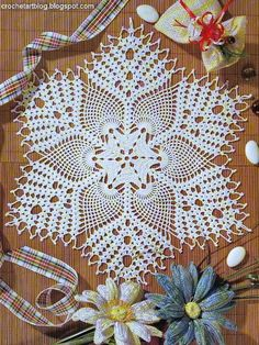 White cotton Pineapple Lace Doily