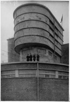 Erich Mendelsohn, Red Banner Textile Factory in Leningrad (1926).
