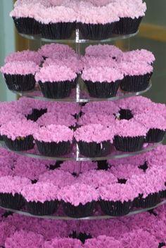 Ombre wedding cupcakes #dessert #cupcaketower #weddingcupcakes #ombre