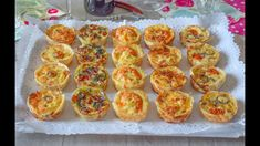 Mini appetizer: a mouthwatering and beautiful idea New Year's Eve Appetizers, Mini Appetizers, Appetizer Recipes, Quiches, Shrimp Cakes, Party Sandwiches, Side Recipes, Creative Food, Healthy Cooking