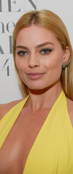 Margot Robbie – Harper's Bazaar Women Of The Year 2014 Awards in London
