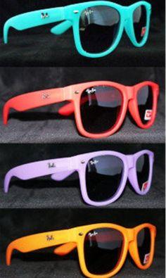 Moooore raybands! http://pinterest.com/dorothy5211/sun-glasses/