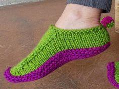 Knitting+Ideas | Pom Pom Shoes by PassionKnit | Knitting Ideas