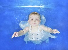 Water Babies! Amazing photos of underwater tots make major waves Starfish underwater photography