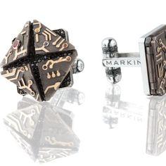Vladimir Markin designs the best #cufflinks @markinjewellery. #love these #mechanical #microchip #cufflinks for #dad this #fathersday #gemzgallery #gold #diamonds #nomoreties #sunday
