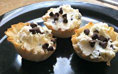 Mini Cannolis Recipe - Generations of Savings   #recipe http://generationsofsavings.com/2013/06/mini-cannolis-recipe.html