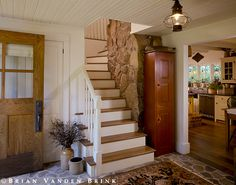 English Country Timber Frame - farmhouse - Staircase - Portland Maine - Houses & Barns by John Libby English Country Style, Country Style Homes, Farmhouse Style, Cottage Design, House Design, Open Stairs, Modern Front Door, Front Doors, Timber Frame Homes