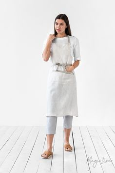 Cook, garden, create with this comfortable bib linen apron. Handmade from pure linen. Unisex linen apron for all sizes. Unisex Looks, Japanese Apron, Pinafore Apron, Cute Aprons, Linen Apron, Bib Apron, Striped Linen, Natural Linen, Apron