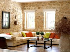 Eye For Design: Decorating The Stone Home
