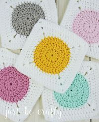 Circle to Square Granny Square Tutorial. A different take on the classic Granny Square, learn to crochet the circle to square granny square!