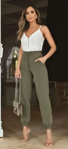 Spring Outfit Women, Mode Outfits, Fashion Outfits, Casual Chic Outfits, Chic Summer Outfits, Casual Summer, Casual Dresses, Elegantes Outfit, Professional Outfits