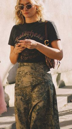 Best outfits of Paris Fashion Week street style day one PFW - Trendy Outfits, Fashion Outfits, Fashion Skirts, Fashion Shoes, Womens Fashion, Cheap Fashion, Fashion Clothes, Indie Fashion, Fashion Trends