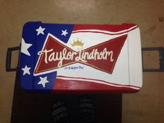 Fraternity Painted Cooler: we could do natty light (Matty wright) Fraternity Coolers, Frat Coolers, Cooler Painting, Painting On Wood, Sorority Canvas, Sorority Paddles, Sorority Crafts, Sorority Recruitment, Delta Zeta Crafts
