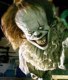 🎈Currently having extreme nostalgia from Chapter I can't believe IT Chapter 2 is almost here, we've waited two years. Penny Wise Clown, Scary Wallpaper, Halloween Wallpaper Iphone, Evil Clowns, Scary Clowns, Funny Clowns, Scary Movies, Horror Movies, Cinema Movies