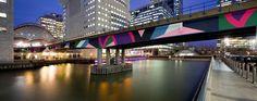 Sinta Tantra Bridge at Canary Wharf UK London : Photograph by Sylvain Deleu www.sylvaindeleu.com UK London Tel: 0044(0)7870649206