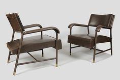 Jacques Quinet, Paire de fauteuils en moleskine