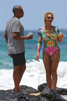 When life gives you lemons: Beyonce was all smiles as they hung out on the beach together...