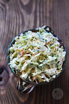 Kardamonowy: Coleslaw z młodej kapusty