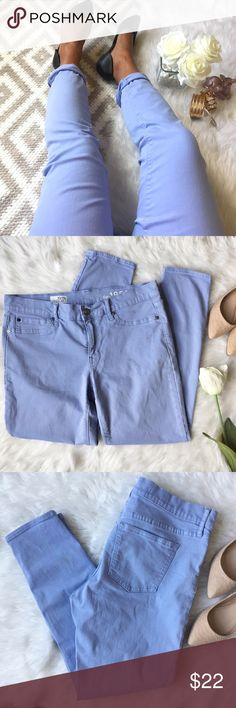 GAP • Legging Ankle Jean Gap periwinkle/violet cotton pants. These pants offer some stretch and are certain to be a head turner. Flawless condition! Size 10R Waist: 30 inches Rise: 9 inches Inseam: 26 inches GAP Pants Ankle & Cropped