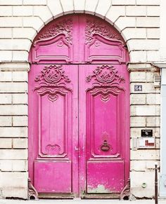 Old-world elegance meets playful PINK!