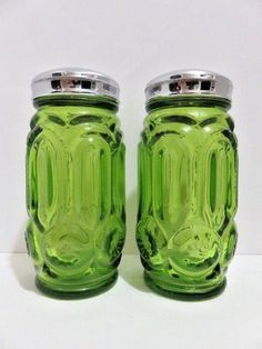 """L E Smith Moon and Stars Christmas Green Salt and Pepper Shakers 4"""" Tall #LESmith #MidCenturyModern"""