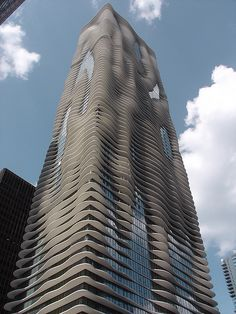 Aqua building in Chicago, by Jeanne Gang of Studio Gang Architects   - photo by George Showman