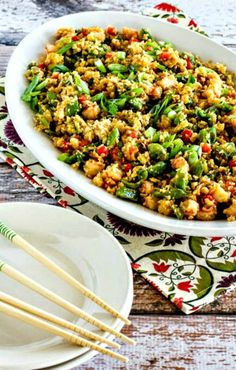 Low-Carb Fried Cauliflower Rice with Shrimp, Sugar Snap Peas, and Red Pepper (Video) (Kalyn's Kitchen) Super Healthy Recipes, Easy Healthy Dinners, Healthy Foods To Eat, Healthy Dinner Recipes, Healthy Snacks, Healthy Eats, Keto Recipes, Veggie Dinners, Healthy Dishes