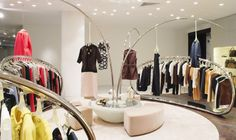 Seating area around the iconic Marni tree, allowing customers to view the Marni collections at ease. Selfridges London, Store Interiors, Brick And Mortar, Luxury Lingerie, Retail Shop, Retail Design, Marni, Design Inspiration, Concept