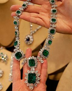 Elizabeth Taylor's emerald and diamond necklace by BVLGARI, a gift from Richard Burton.