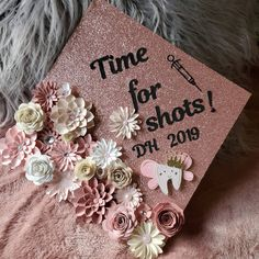 Dental Graduation cap topper ideas/ rose gold cap topper/ floral cap topper Graduation Cake Toppers, Graduation Cap Decoration, Graduation Cap Pictures, Cap Decorations, Gold Caps, Floral Cake, School Colors, Tooth Fairy, Paper Flowers