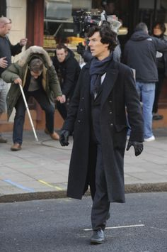 sherlock pilot filming. I'd like to point out martin in the background.