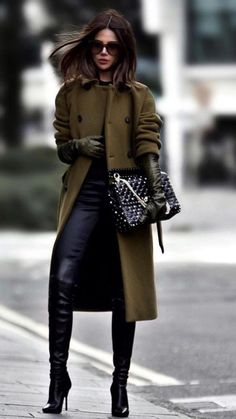 30 winter outfits that are chic and warm fashion trends moda, estilo, lenço Fall Fashion Trends, Winter Fashion Outfits, Winter Outfits For Work, Autumn Winter Fashion, Fall Outfits, Mens Winter, Dressy Winter Outfits, Winter Style, Casual Winter