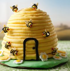This gorgeous lemon and honey flavoured cake with cute smiley bees buzzing round would make a perfect birthday cake.