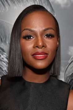 Tika Sumpter - 20 Celebrity Lobs and Bobs That May Inspire Your Next Do Tika Sumpter, Jheri Curl, Celebrity Bobs, Natural Hair Styles, Short Hair Styles, Widow's Peak, Hair Extensions Best, Bleach Blonde, Black Celebrities