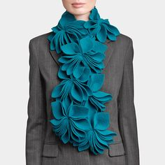Turquoise Bouquet Scarf by Arlane Lespire - Gorgeous. I could never pull it off though.I feel like it would look really weird on me, Turquoise Bouquet, Diy Fashion, Fashion Beauty, Ideas Joyería, Inspiration Mode, T Shirts For Women, Clothes For Women, Scarf Styles, Refashion