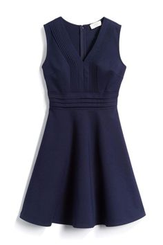 LOVE this dress.  This style is always flattering on my and I love the color navy.