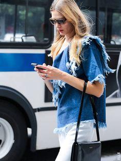 Le jean effiloché #trend #tendances #fashion #mode #streetstyle