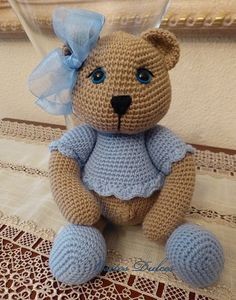 PATTERN: Teddy Collection Amigurumi Pattern in English and Spanish Crochet Gratis, Crochet Bear, Crochet Animals, Crochet Dolls, Crochet Toys Patterns, Amigurumi Patterns, Stuffed Toys Patterns, Amigurumi Doll, Amigurumi Tutorial