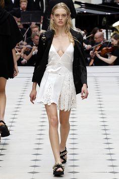 Burberry Prorsum Spring 2016 Ready-to-Wear Collection Photos - Vogue