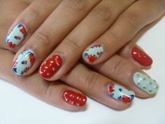 Mint green nails with red floral decals, red solid pinkie accent nails with gold bouillon caviar, flowers, Nail art Pin Up Nails, Hot Nails, Hair And Nails, Mint Green Nails, Vintage Nails, Studded Nails, Nail Blog, Girls Nails, Nail Envy
