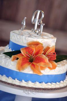 Beautiful & Simple wedding cake...