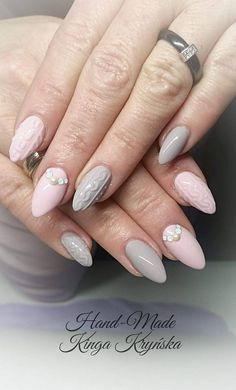 Gel Polish French Pink & Caffe Latte by Kinga Kryńska Indigo Young Team #knitted #nail #nails #pastel #effect #pink #powder #grey #winter #winternails